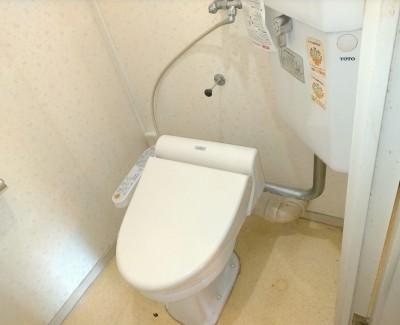 現調 ビフォー トイレ 壁排水式 壁紙 天井 床 クロス リフォーム 神戸市 トラブラン