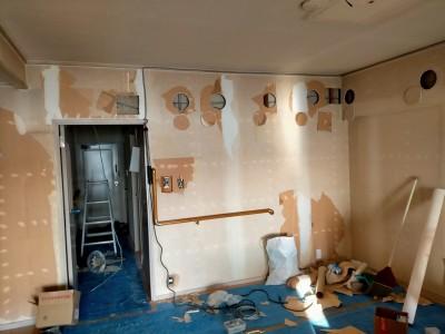 リビング 電気 壁紙 天井 工事 リフォーム マンション 神戸市 トラブラン