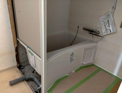 水廻り 水道工事 浴槽 ユニットバス 壁 工事 お風呂 バスルーム リフォーム 神戸市 トラブラン