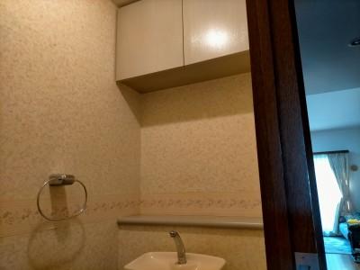 トイレ 天井 壁紙 施工前 リフォーム前 神戸市 トラブラン