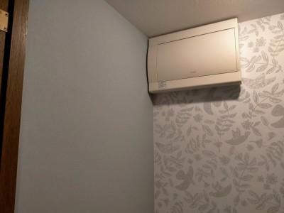 トイレ 壁紙 無地 鳥柄 リフォーム アフター トラブラン 神戸市