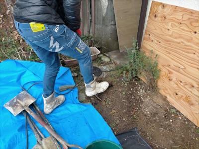 工事 交換 コンクリート桝 掘削 土 掘る スコップ 住宅 排水桝 神戸市 トラブラン