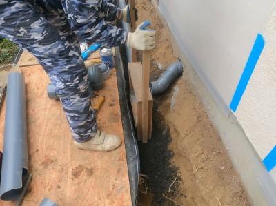 転圧作業 バラス 工事 排水桝 交換 住宅 庭 神戸市 トラブラン