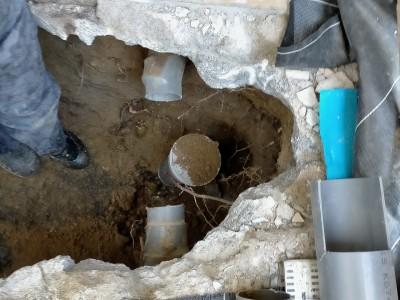 雨水管一旦切断 桝管の立ち上げ 桝の交換工事 神戸市 トラブラン
