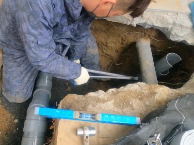 桝の設置 採寸 配管 排水桝 交換工事 神戸市 トラブラン