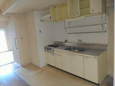 キッチン 交換 施工前 マンション リフォーム 神戸市 トラブラン