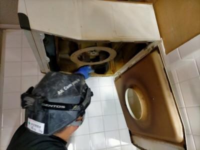 キッチン 換気扇 交換工事 取り外し 神戸市 トラブラン