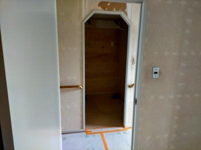 ドア枠 廻り縁 まわりぶち 巾木 塗装 補修 マンション神戸市 トラブラン