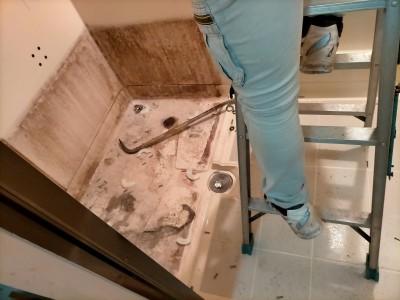 お風呂 バスルーム 解体 工事 リフォーム 浴槽 神戸市 トラブラン