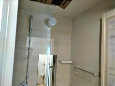 水廻り 水道工事 浴槽 シャワー タオル掛け 壁 工事 お風呂 リフォーム 神戸市 トラブラン