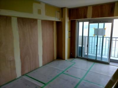 パテ作業 部屋 洋室 リフォーム 神戸市 トラブラン