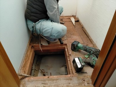 トイレ 床の張替え 漏水 リフォーム 神戸市 トラブラン