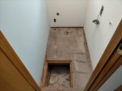 トイレの床 基礎 床材 交換 工事 神戸市 トラブラン