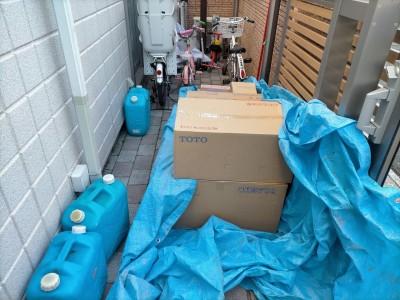 トイレ 便器 便座 手洗い器 収納棚 搬入 リフォーム 神戸市 トラブラン