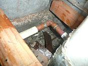 給湯管からの水漏れ